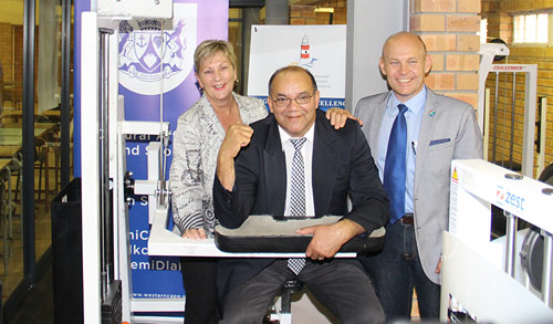 Western Cape Minister of Cultural Affairs, Anroux Marais, Cape Agulhas Municipality Mayor Paul Swart and Overberg District Municipality Mayor Andries Franken officially opened the upgraded Glaskasteel Sports Complex.