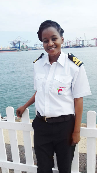 Zulu 'tugs' her way to a career in maritime | Vuk'uzenzele