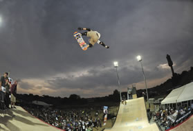 Flying high in Kimberley during the Maloof Money Cup World Skateboarding Championships [Photo: Neftali]