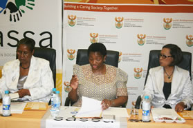 Social Development Minister Bathabile Dlamini flanked by her Deputy Maria Ntuli (left) and the CEO of SASSA Virginia Peterson (right)