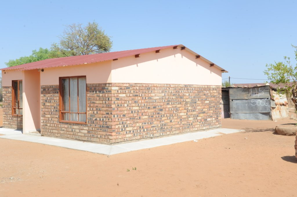 Residents of Ga-Hlako and Taueatsoala Villages in Limpopo have been given decent homes to live in with their families.