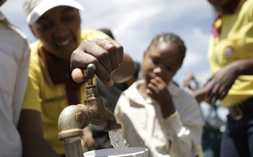 South Africa is tackling the challenge of providing safe water and sanitation. (Image: Oxfam)