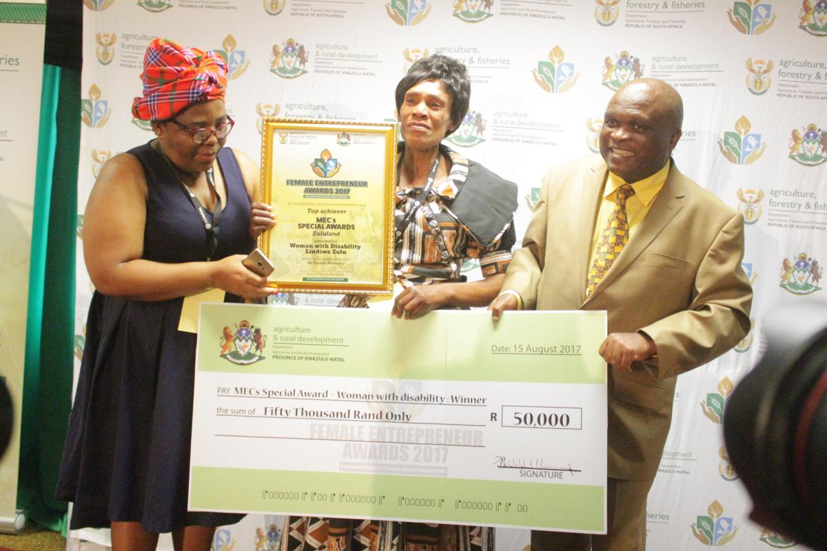 Lindiwe Zulu (centre) was overall winner at the Female Entrepreneur Awards. The awards were hosted by the KZN Department of Agriculture and Rural Development.