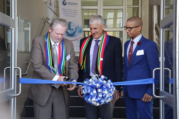 Minister of Trade and Industry Rob Davies with Aspen Group Chief Executive Stephen Saad during the launch of the containment facility in Port Elizabeth.