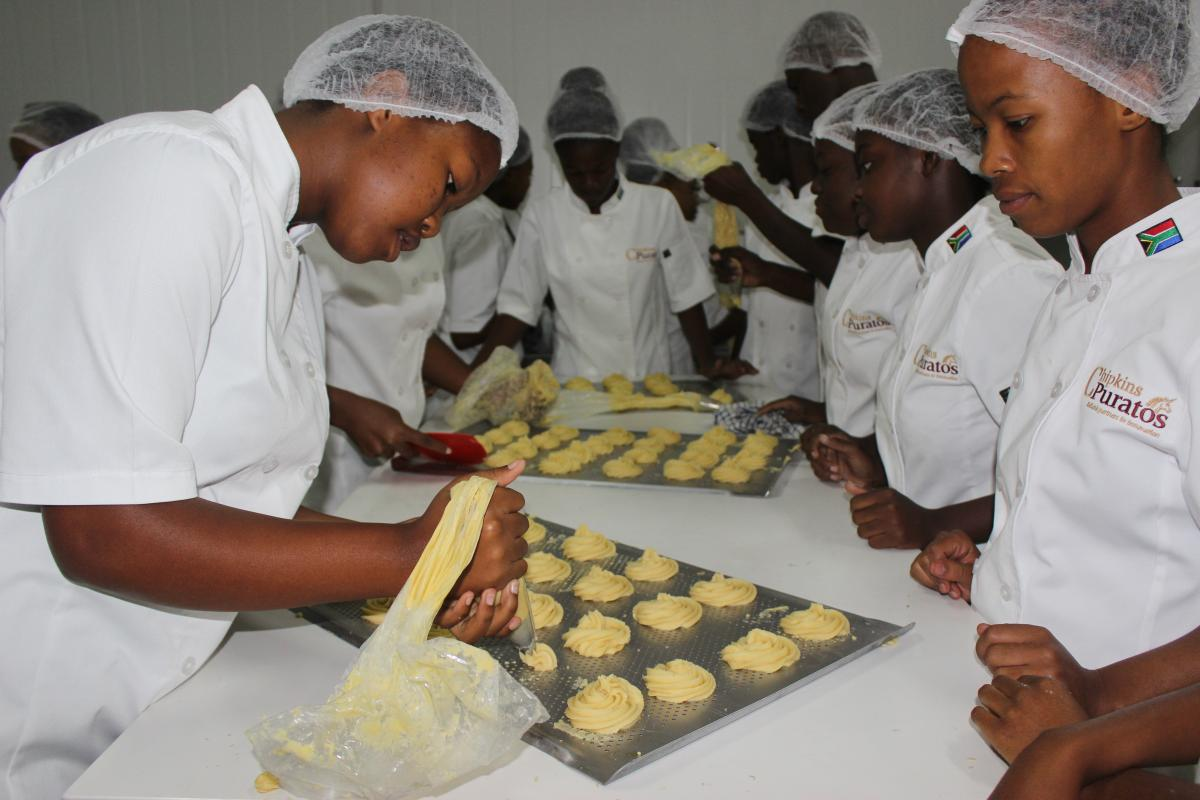 Twenty-five pupils are participating in the four-step training programme. They will receive an NQF level two qualification in bread and flour confectionary on top of their matric certificate.