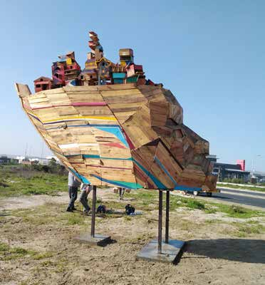 Standing proudly along the M5 running past the township of Vrygrond is a spectacular artwork called the Ship of Ubuntu.