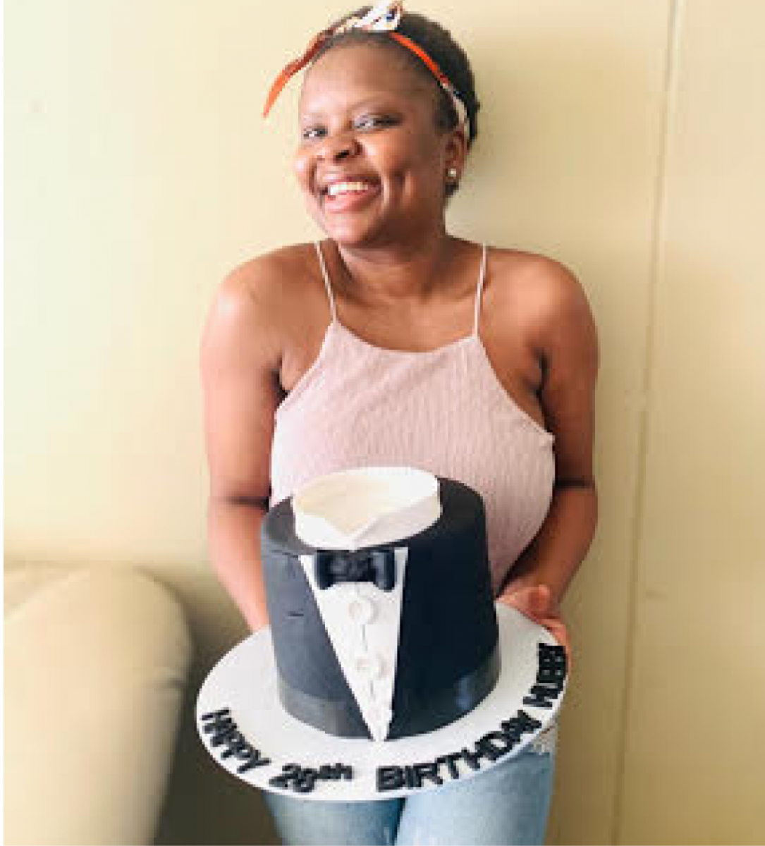 Pfarelo Tshivhase rolled up her sleeves and found solace in baking after being retrenched due to the COVID-19 pandemic.
