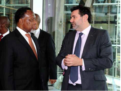 Garry Cottle invited the Deputy President Kgalema Motlanthe for a walk about at the Nomura Investment Bank trade floor.