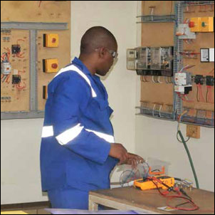 Trainees from the South African National Defence Force (SANDF) Units are being given the opportunity to qualify as artisans thanks to the SANDF's skills and development programme.