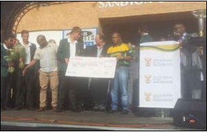 The Baby Proteas, who won the ICC Junior World Cup, were rewarded for their efforts with R200 000 by Sports Minister Fikile Mbalula and Deputy Minister Gert Oosthuizen.