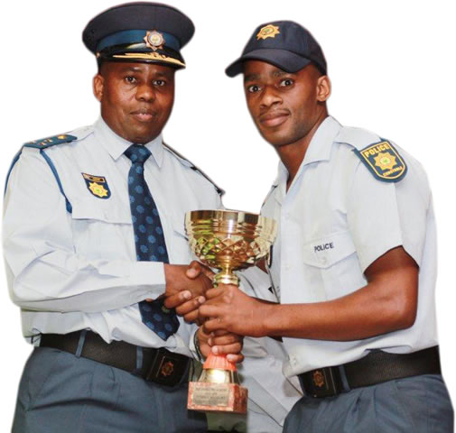 Brigadier Johannes Magane with the best overall winner Constable Mthobeli Nguqu.